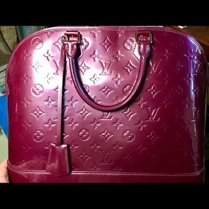 LOUIS VUITTON MONOGRAM VERNIS ALMA MM HANDBAG